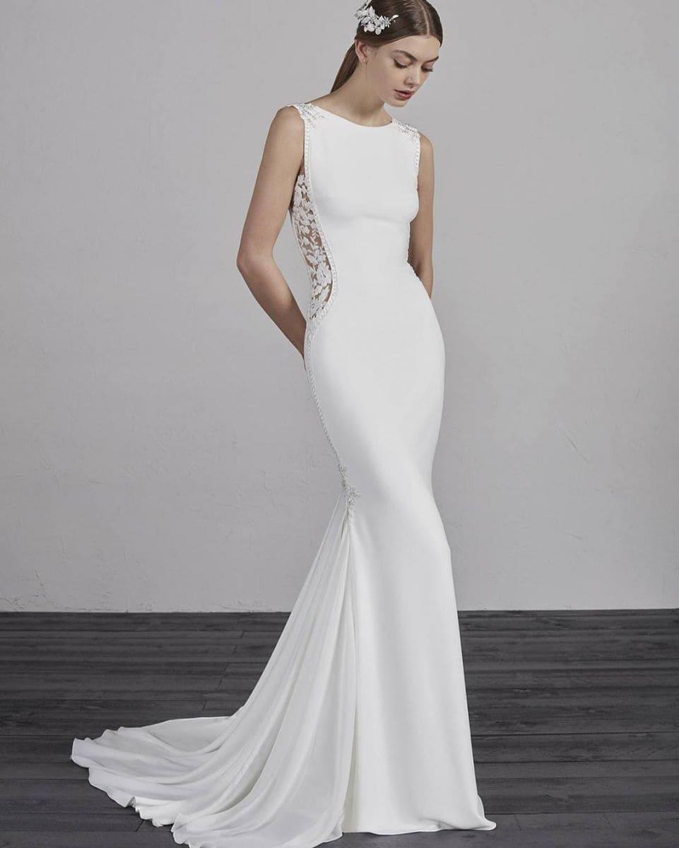 Plain Wedding Dress Styles by Raffaele Ciuca